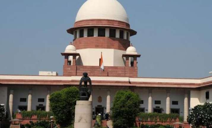 sc agrees to examine telangana issue notice to centre
