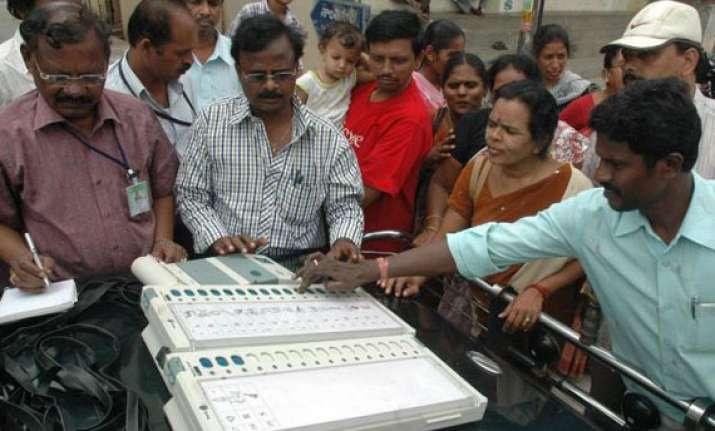 sc asks election commission to start paper trail for evm
