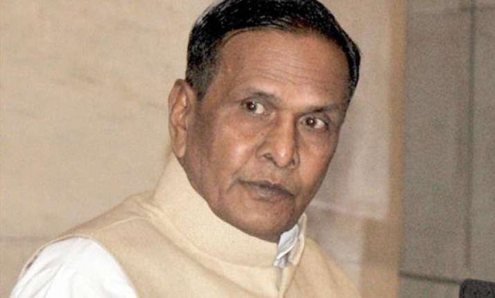 sp and cong activists clash at programme presided over by