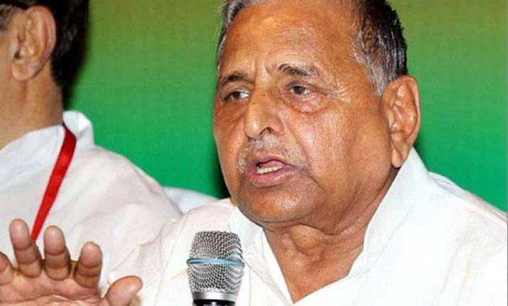 sp fields lok sabha candidates in gujarat