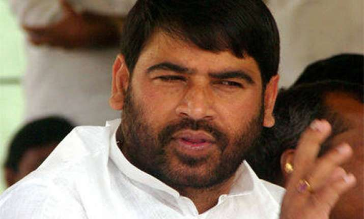 sadhu yadav gets income tax notice