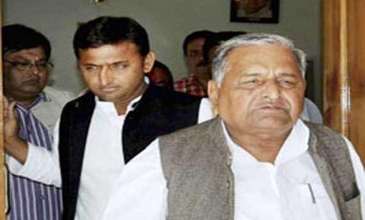samajwadi party may not field candidates against sonia rahul