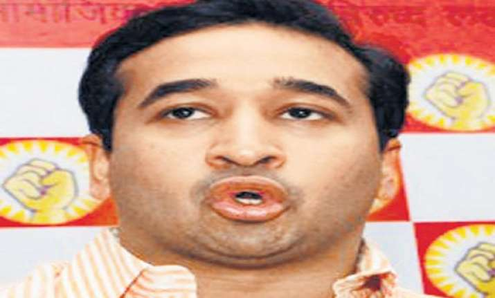 sanjay raut manohar joshi eyeing no.2 post in sena nitesh