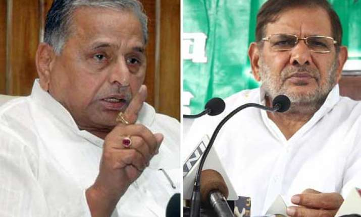 sharad mulayam punia lash out at sc order on reservation in