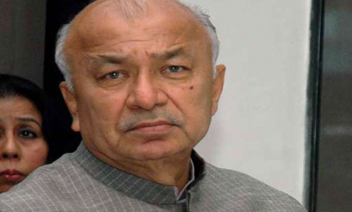 shinde expresses regret for his hindu terrorism remarks