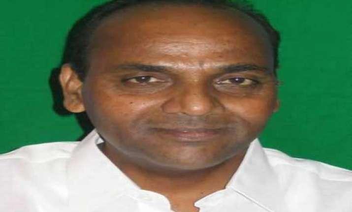 shiv sena minister anant gite refuses to take charge of