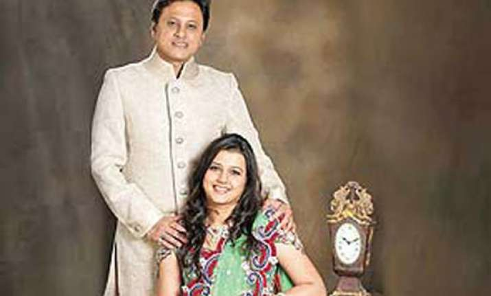 shiv sena politician prefers love above party marries on