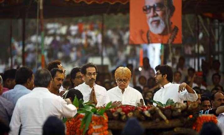 shiv sainiks feel raj uddhav should come together for 2014