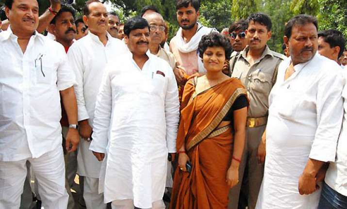 shivpal dismisses mayawati s warning