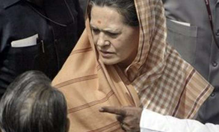 sonia gandhi on one day visit to up