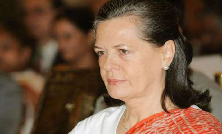sonia expresses sorrow over hyderabad blasts