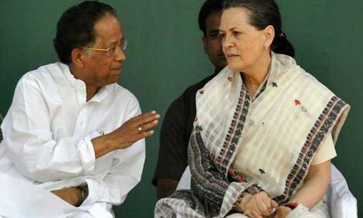 sonia rejects gogoi s resignation offer