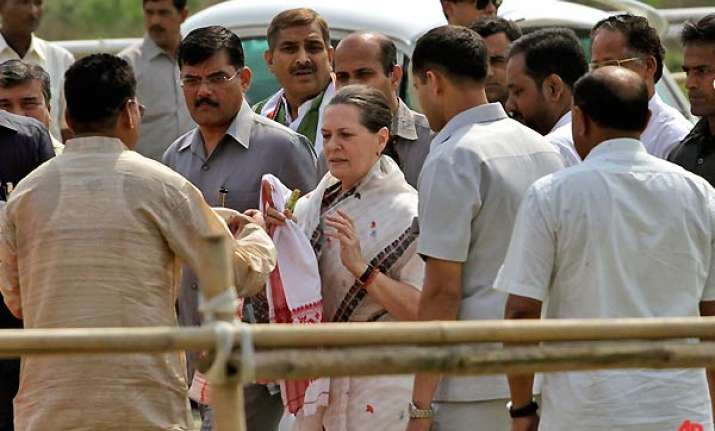 sonia flays left front in bengal