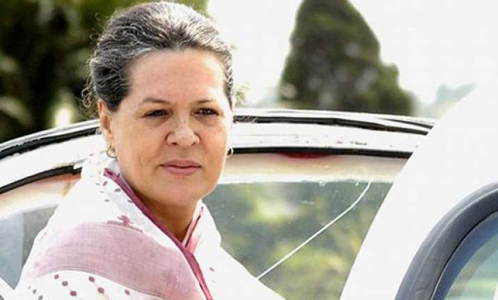 sonia meets pranab other top leaders to finalise india s