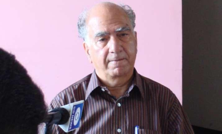 stay away from politics bjp tells hazare ramdev