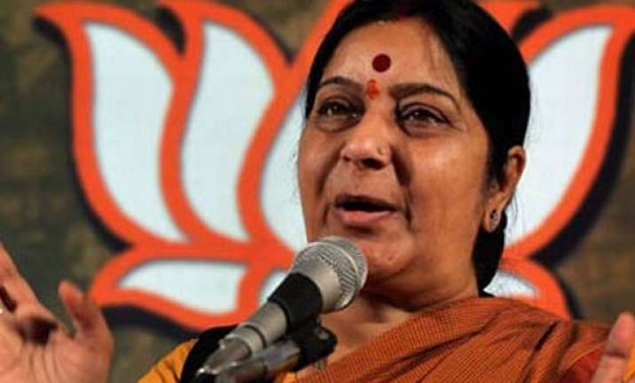 sushma favours special session to pass food bill