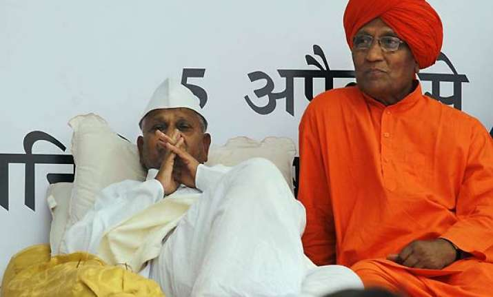 team anna to support strong lokpal bill swami agnivesh