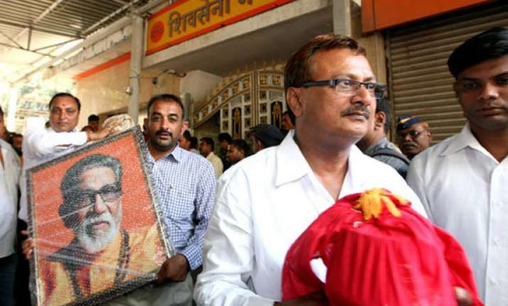 thackeray s ashes to be immersed at kanyakumari on tuesday