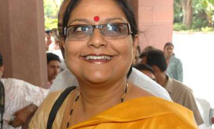 trinamool mp alludes to kolkata gang rape victim as a