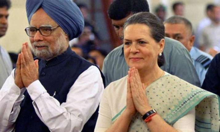 opinion polls upa losing ground modi s projection as pm