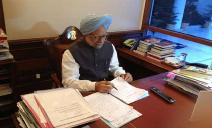 upa paints rosy picture of govt in its report card