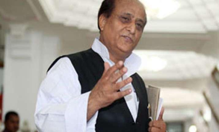 up minister azam khan slaps train attendant forces him to