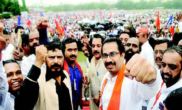 uddhav athavale to attend advani s public meeting in mumbai