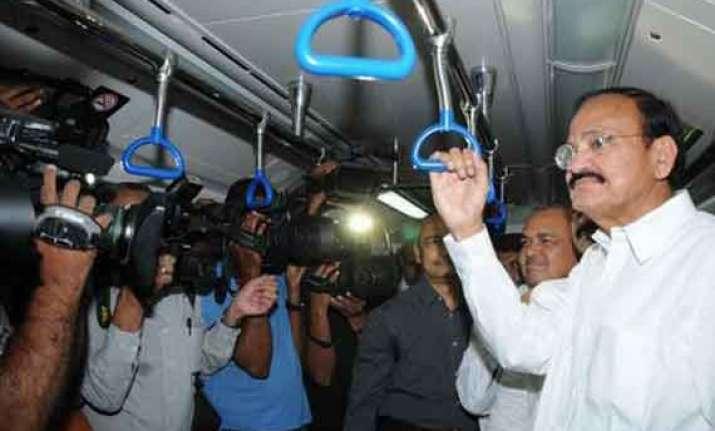 use metro to decongest traffic venkaiah naidu to colleagues
