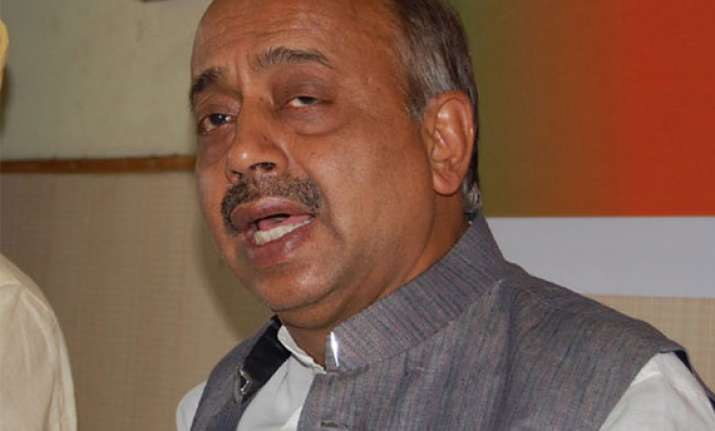 vijay goel slams delhi government for false claims