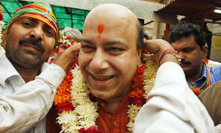 vijay jolly opposes plea for withdrawal of case against