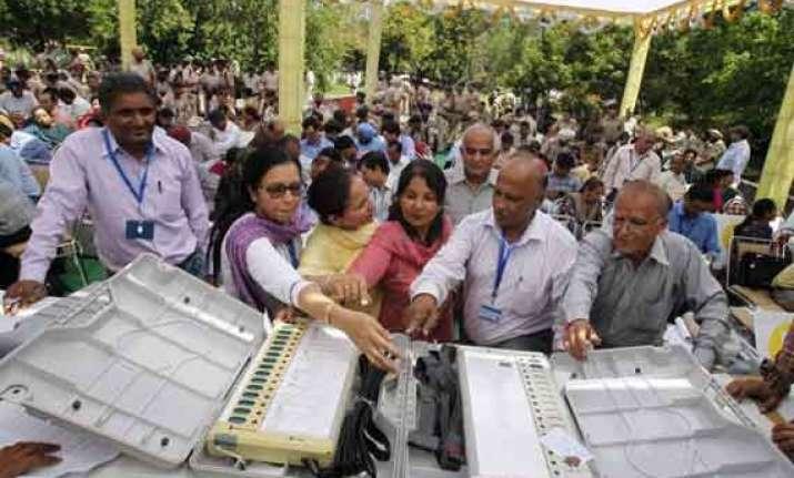 voting in bihar for seven lok sabha seats