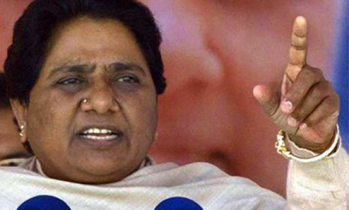 will take a call on fdi during vote mayawati