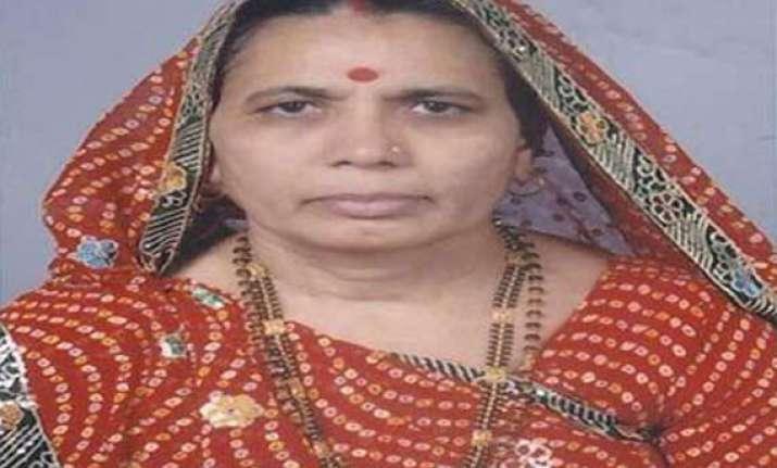 winning congress candidate savitaben khath dies of brain