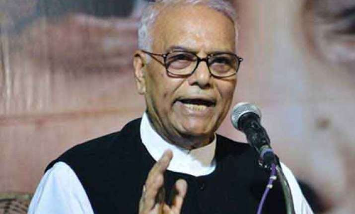 yashwant sinha uses unparliamentary word at public function