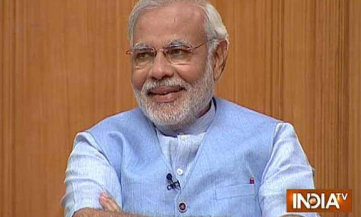 yes i like to dress well modi confesses to rajat sharma in