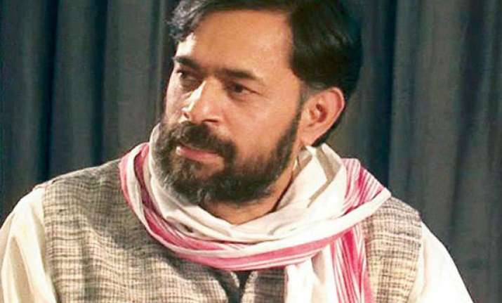 yogendra yadav seeks action against bogus votes