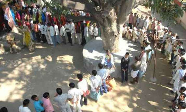 15 candidates in sultanpur bjp eyes lotus bloom after 16 yrs