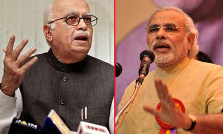 advani criticizes modi for lashing out at manmohan on i day
