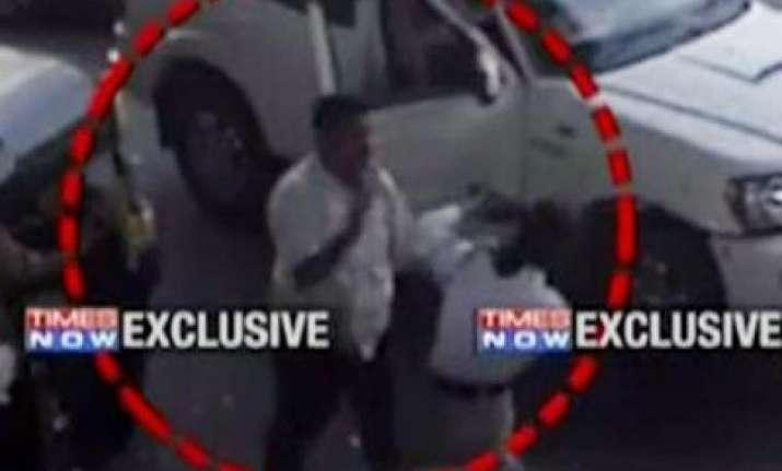 caught on camera shiv sena worker assaults female traffic