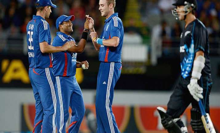 england beats new zealand by 5 wickets in 3rd odi