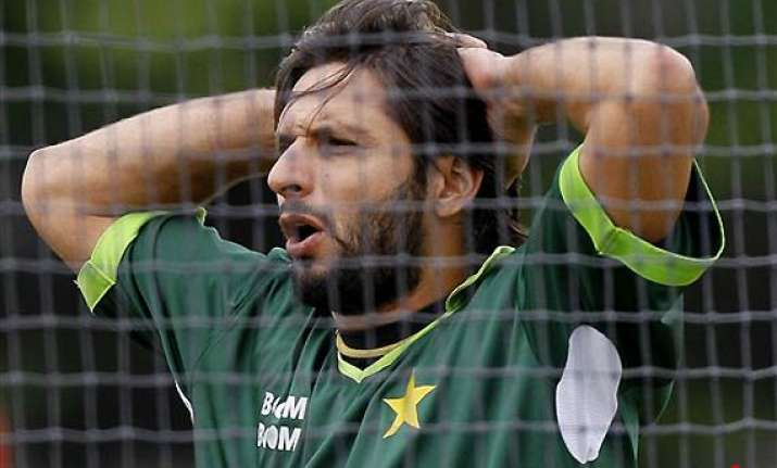 afridi fined rs 45 lakhs cleared to play abroad