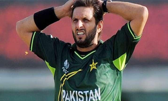 afridi pleads with zardari to end the joke on pak cricket