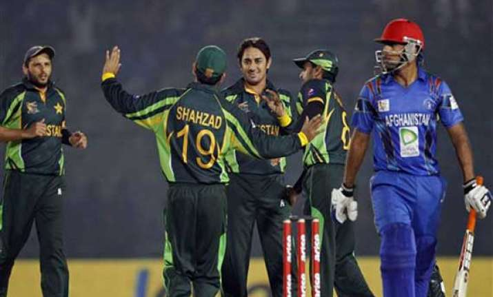 asia cup akmal ton sets up 72 run win for pakistan