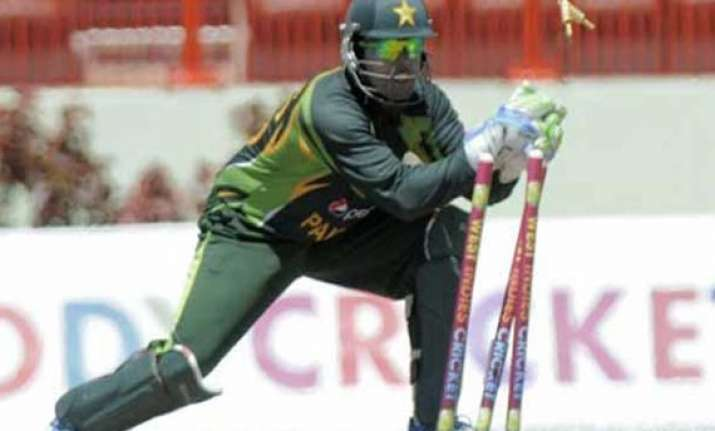 akmal to continue keep wickets in t20s and odis