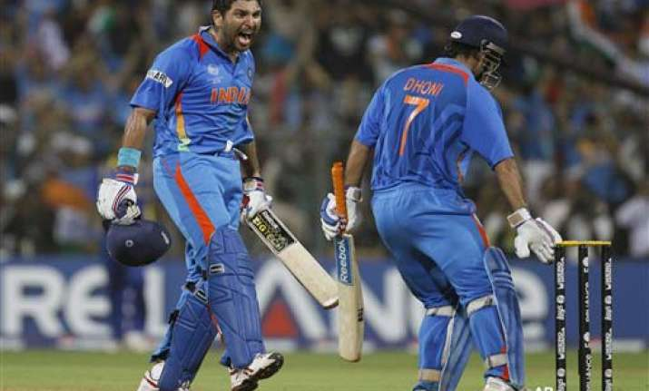 amidst unforgettable moments captain cool forgets questions