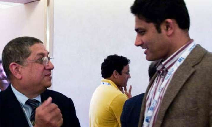 anil kumble resigns from post of nca chairman over lack of