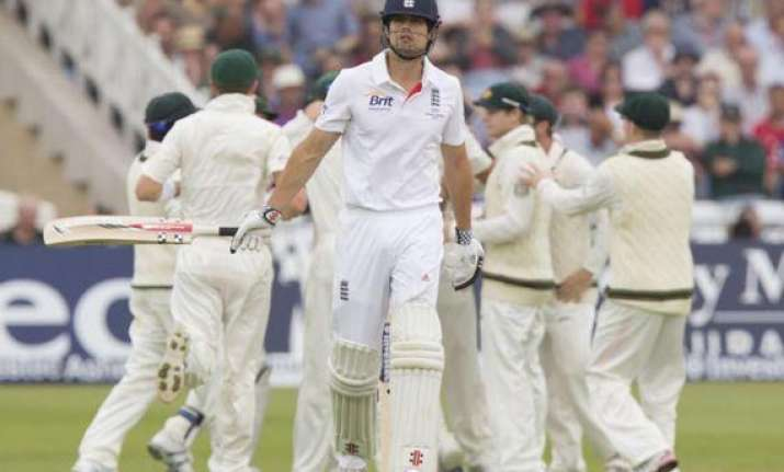ashes england fight back on thrilling 1st day of cricket