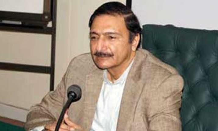 ashraf wants international cricket in pakistan