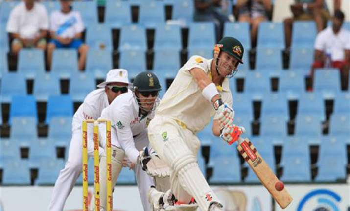 australia crushes no. 1 south africa in 1st test