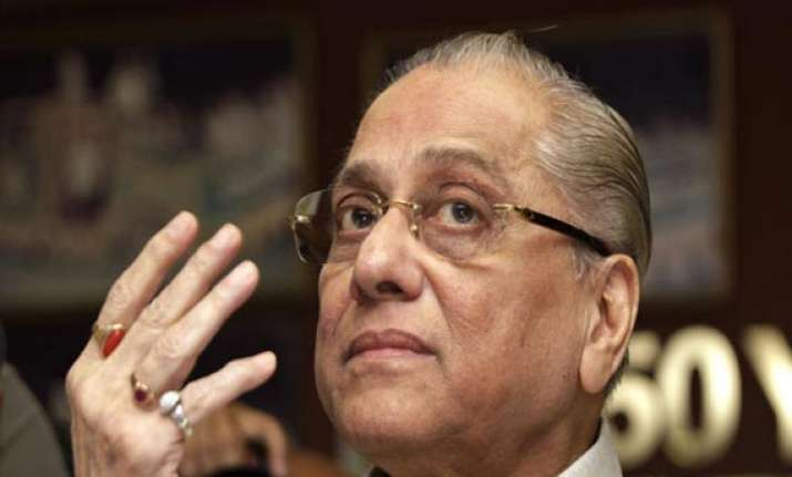 bcci calls off working committee meet dalmiya to continue